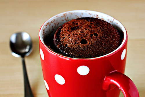 5-minute-mug-cake-4-with-soft-light4-2
