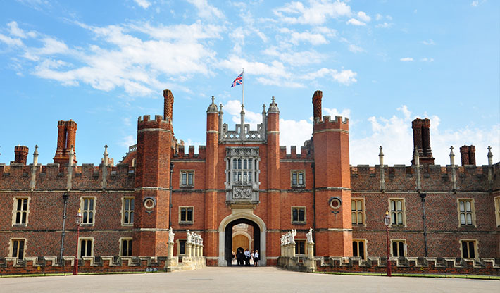 hampton_court_palace_littlebird