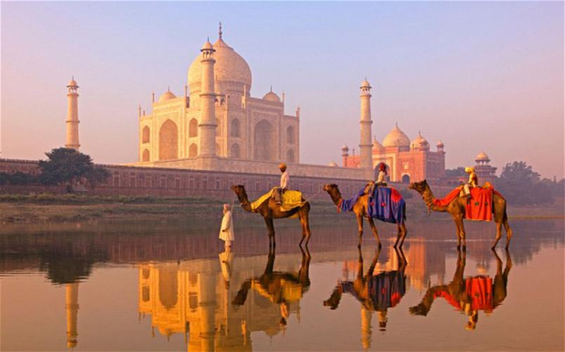 Taj_Mahal_Agra-4